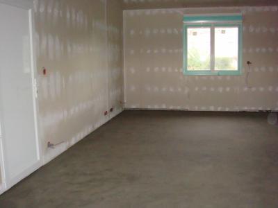 Carrelage de la salle bain et mise en place du parquet for Carrelage lamborghini